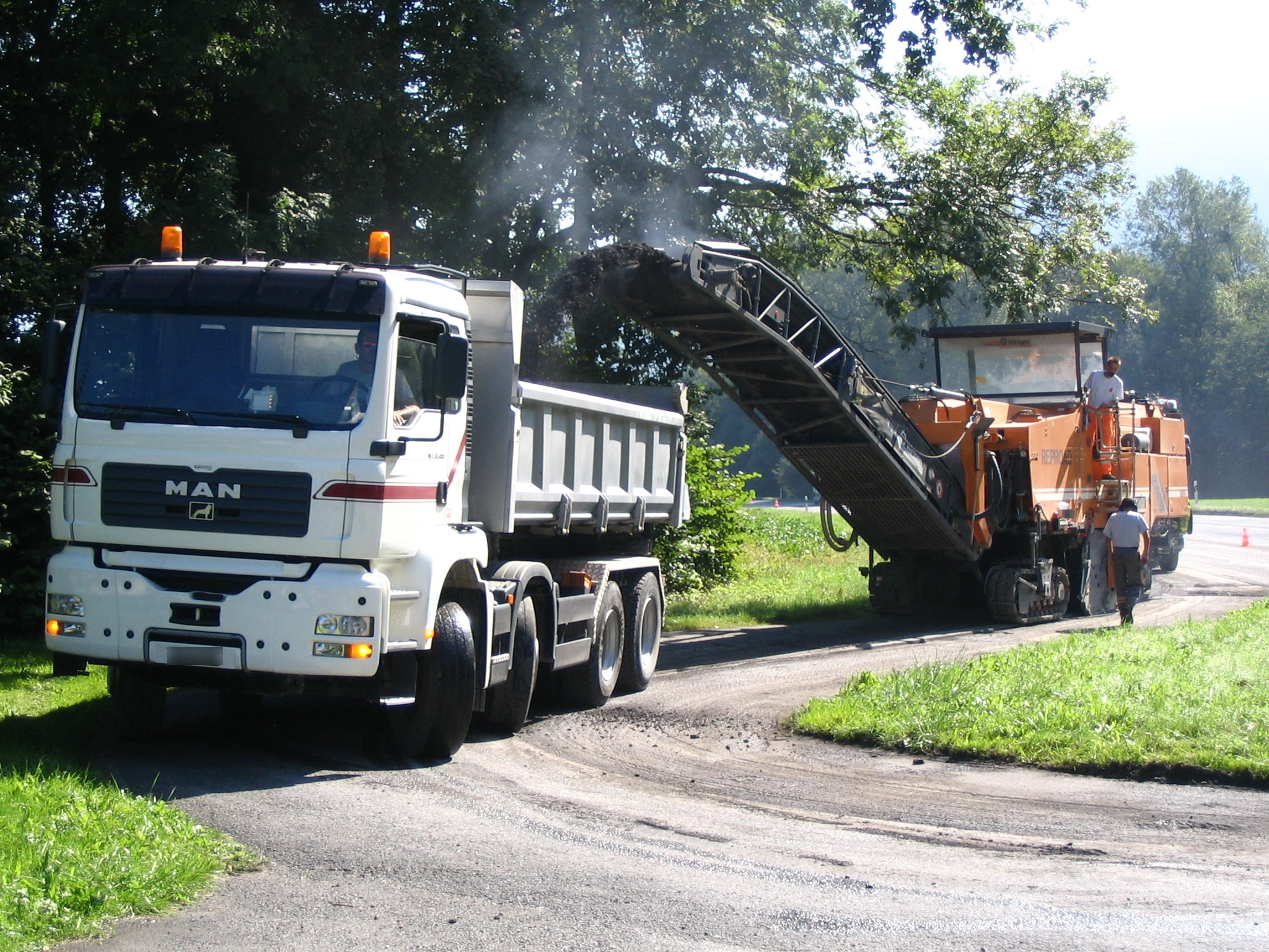 Asphalt Milling and Grinding